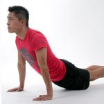 Männer: Yoga-Rücken-Kurs oder Fitneßstudio?